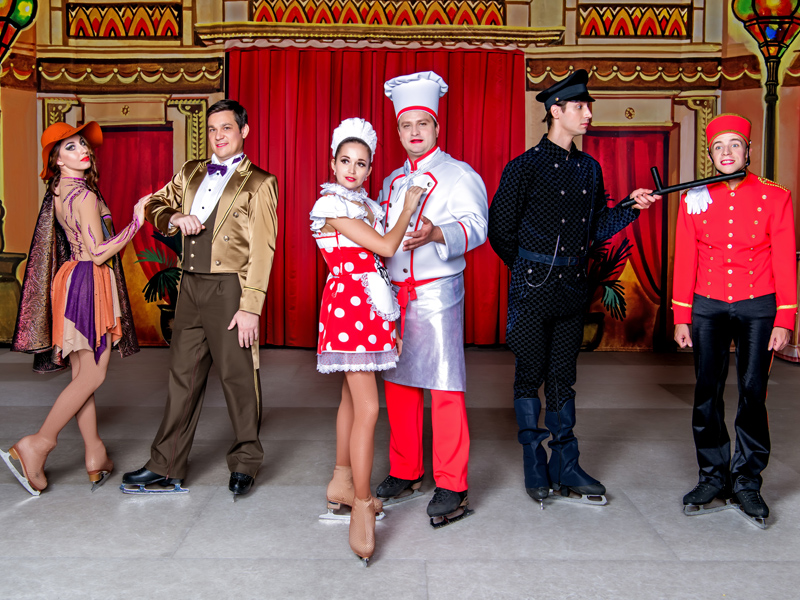 All the main characters of Grand Hotel by Moscow circus on ice - Cheef cook, maid, Matilda, Maite de hotel, lobby boy and policeman
